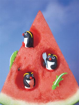 スイカにペンギン